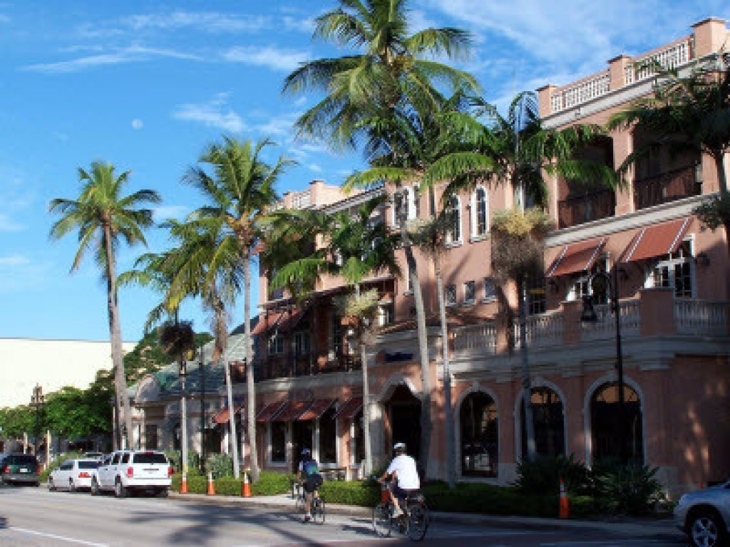 Architecture on 5th Ave S in Naples FL